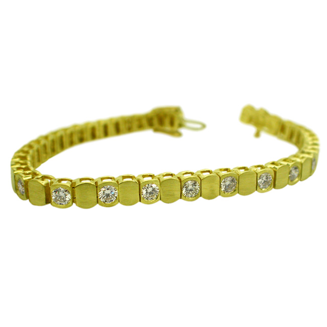 18kt-yellow-gold-diamond-tennis-bracelet