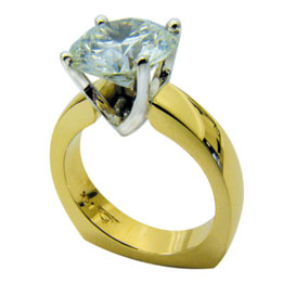 18kt Yellow Gold Platinum Round Brilliant Diamond Ring